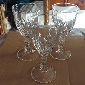 3 wine glasses crystal set 3
